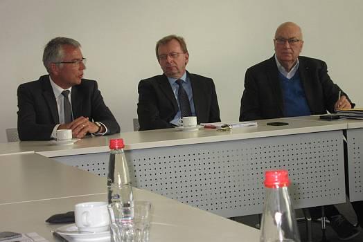 v. l. Landrat Stefan Dallinger, Fraktionsvorsitzender Matthias Baaß, Fraktionsgeschäftsführer Helmut Beck